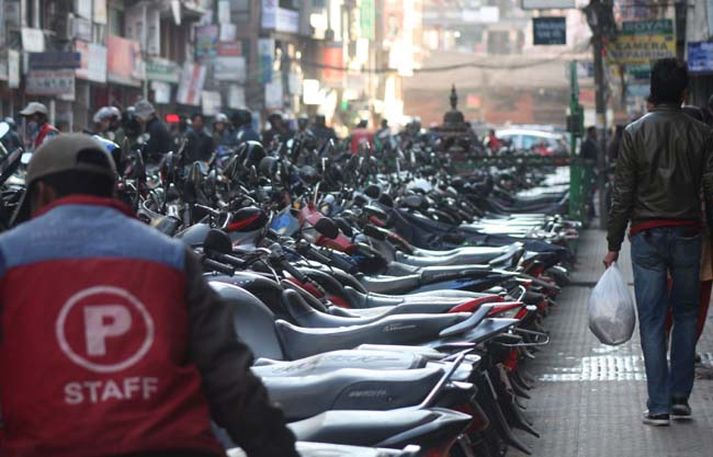 01 Unmanaged Motorcycle Parking in New Road Kathmandu