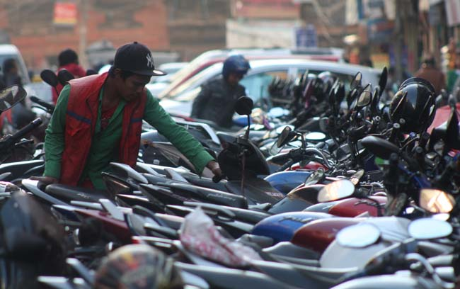 05 Unmanaged Motorcycle Parking in New Road Kathmandu