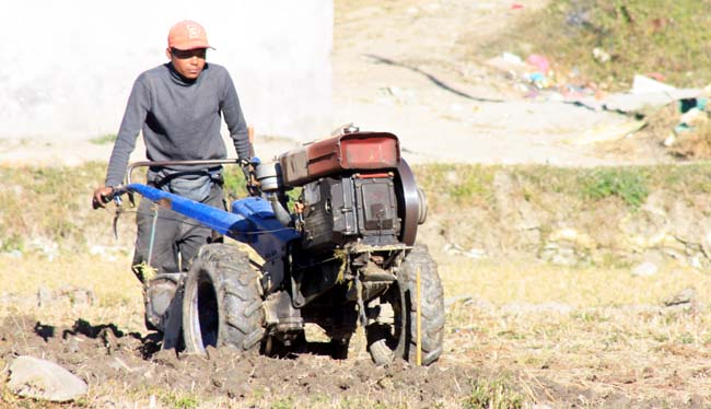 01 Ploughing with a power tiller in Kathmandu