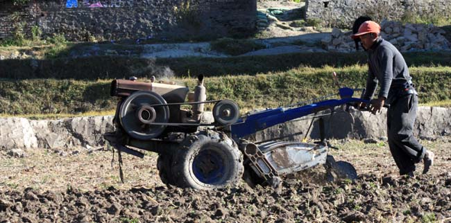 02 Ploughing with a power tiller in Kathmandu