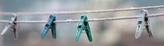 03 Plastic clothes clips on a rope