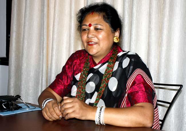 04 Deji Baraili Nepali singer from Darjeeling India