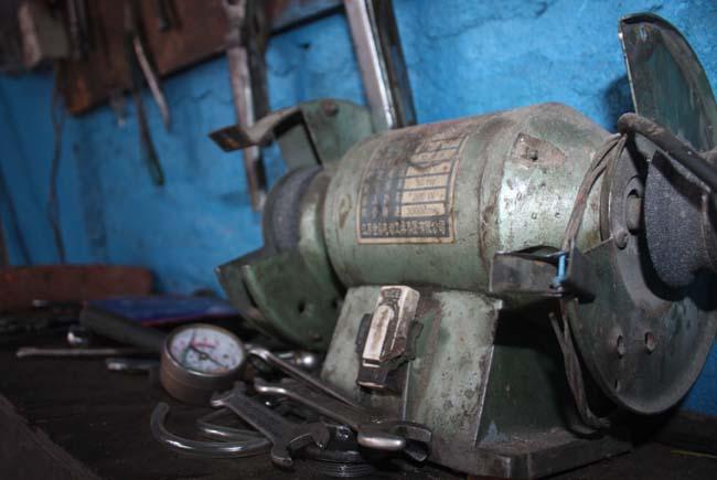 02 Motorbike workshop in Kathmandu