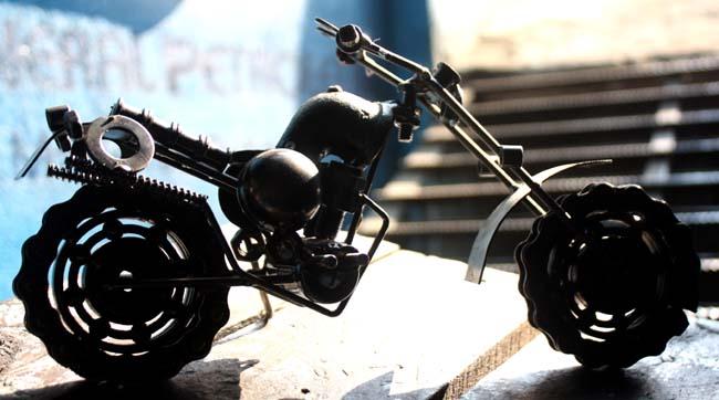 03 gewgaw motorbike made of parts of real motorbike in Nepal_Nepal Motorbike