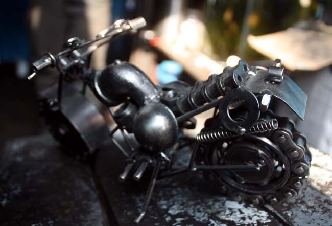 04 gewgaw motorbike made of parts of real motorbike in Nepal_Nepal Motorbike