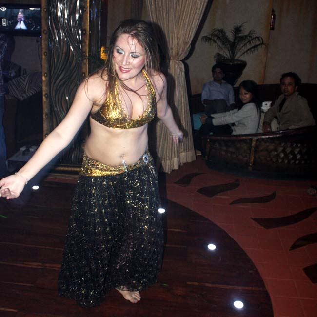05 Belly dance by Russian lady dancers in Nepal