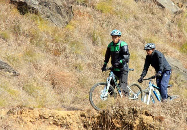07 Biking in Chovar Kathmandu