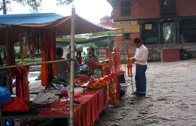 02 Guhyeshwari Temple Near Pashupati Nath Kathmandu Nepal_Hindu Religious Places_Stall