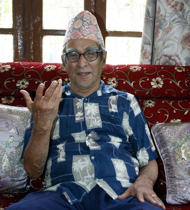 03 Madhav Prasad Ghimire born in October 22, 1919 is great Nepali poet honoured as the Rashtra Kavi