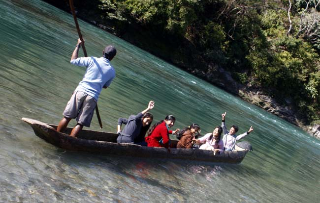 01 Boating in Indrawati Nepal_water recreation