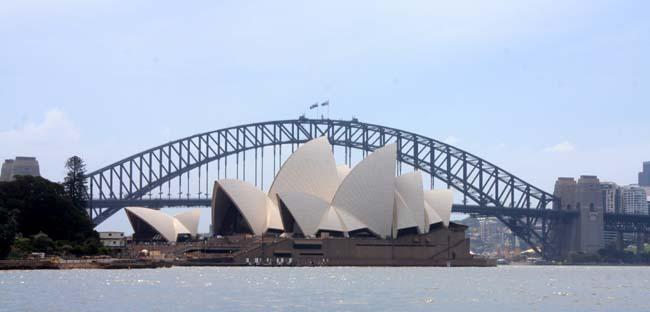 01 Sydney Harbour Bridge Australia Opposite to Sydney Opera House