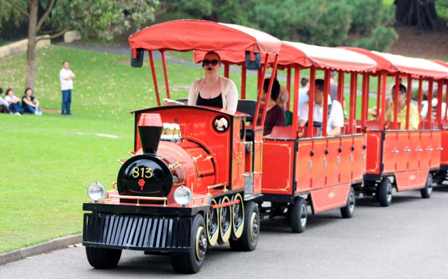 02 Small Trackless Train in Royal Botanic Garden Sydney right beside the Sydney Opera House