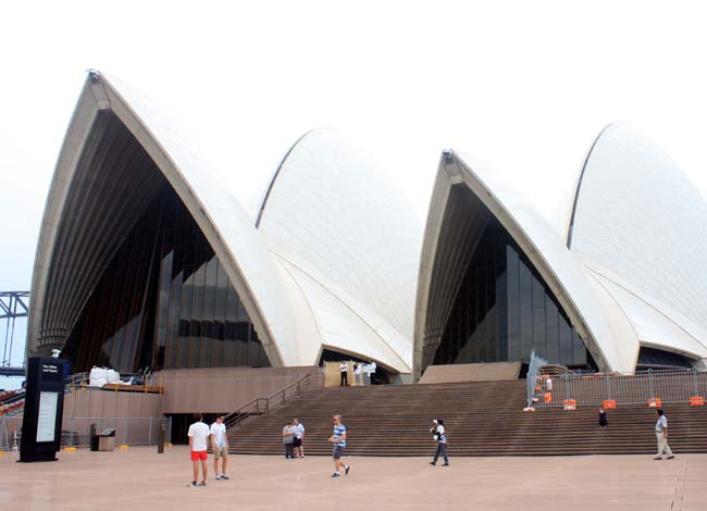 03 Sydney Opera House multi-venue performing arts centre in Sydney, New South Wales, Australia