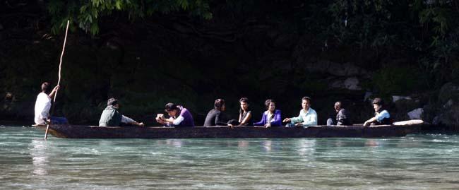 04Boating in Indrawati Nepal_water recreation