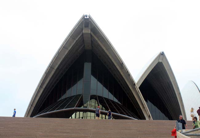 06 Sydney Opera House multi-venue performing arts centre in Sydney, New South Wales, Australia