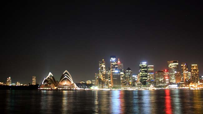02 Opera House in Evening Sydney Australia