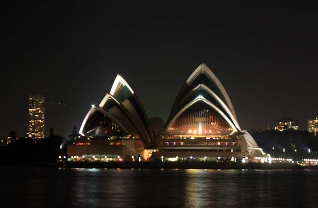 03 Opera House in Evening Sydney Australia