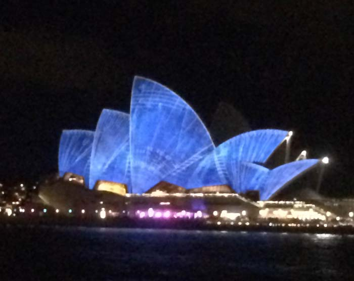 01 Opera House in different color during vivid light festival 2014 in Sydney Australia