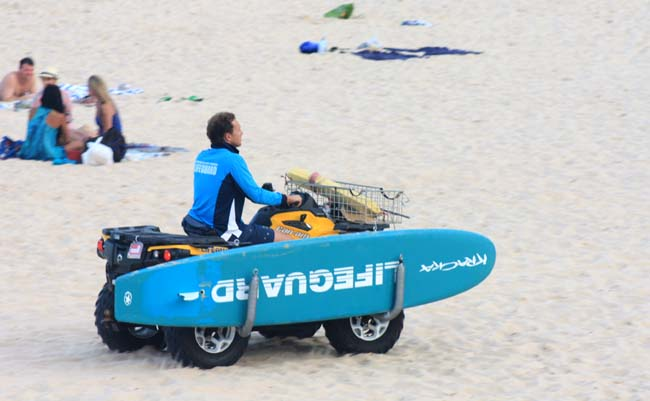 03 Life Guard in coogee beach sydney
