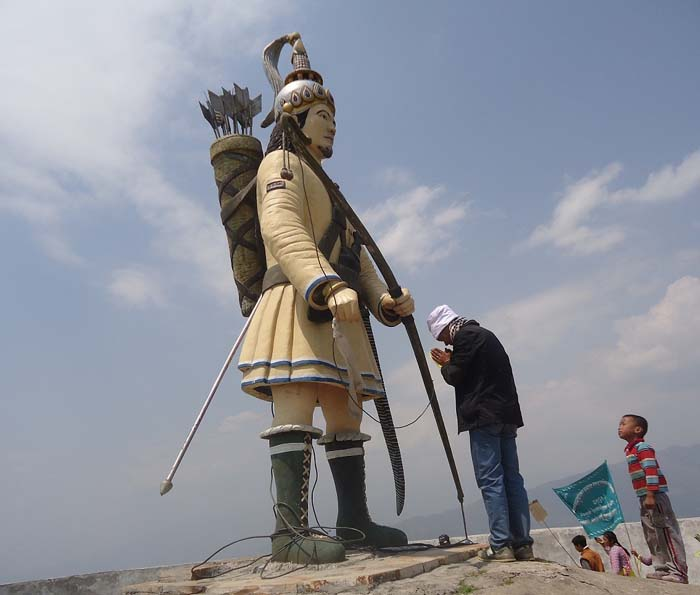 first Kiranti King of Nepal Yalamber statue in Shanishchare Nepal